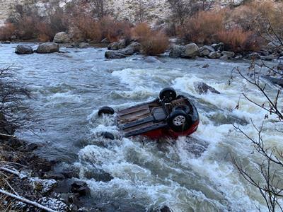 Carabineros, Bomberos, Samu, Onemi, Fiscalía y Servicio Médico Legal concurrieron al lugar del accidente.